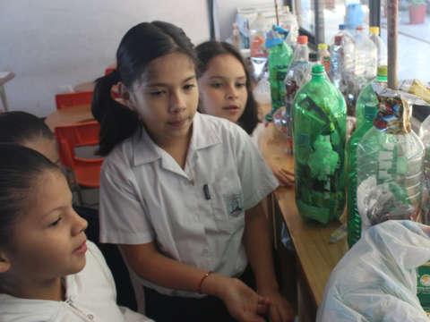 Municipalidad de Escazú trabaja con todos los centros educativos del cantón para que sean Bandera Azul Ecológica- Octubre - 2019