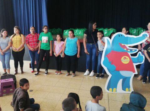 Municipalidad de Escazú se unió con seis empresas para dar útiles escolares a más de 180 niños y niñas - 2020