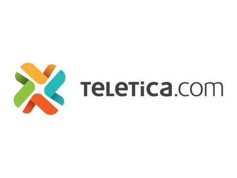Denuncian la colocación de valla publicitaria en media acera en Escazú - 2019